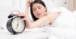 小心爆痘+肠胃炎!10种上火食物晚睡熬夜的人千万别吃